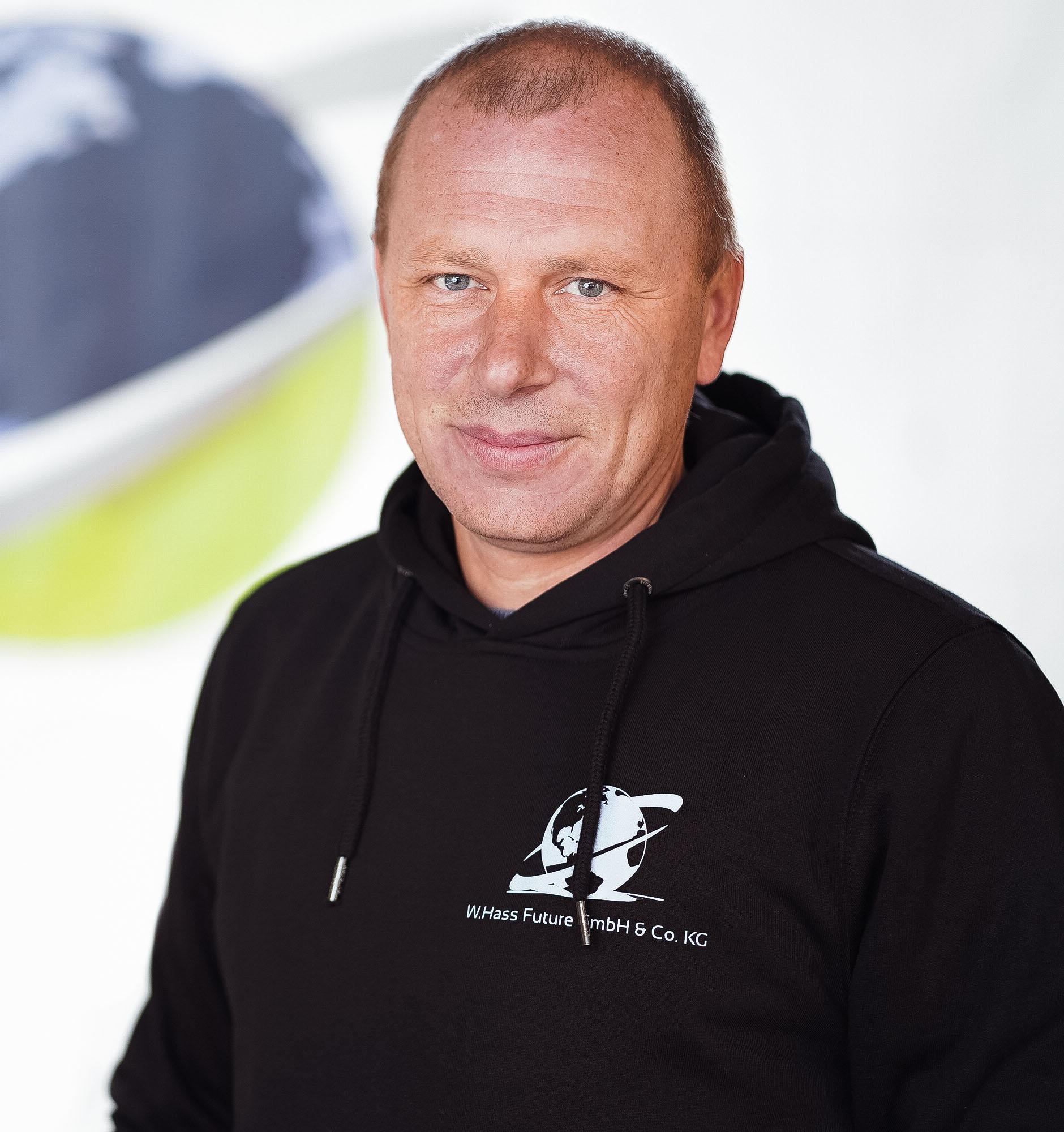 Oleg-Keil-Construction-Manager_02.jpg